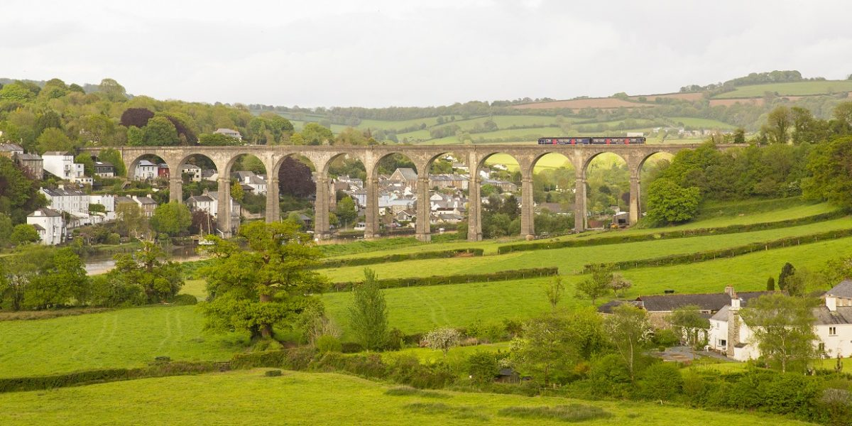 Calstcok-viaduct-Pete-Deviesletterbox